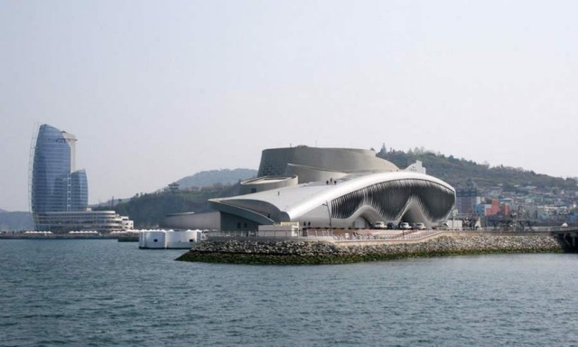 Thematic Pavilion for the Yeosu EXPO 2012 by Soma