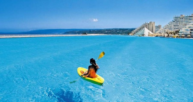 Crystal Lagoon at the San Alfonso del Mar resort in Chile (3)