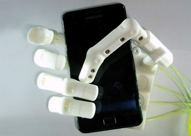 3D-printed robotic hand by Anthromod