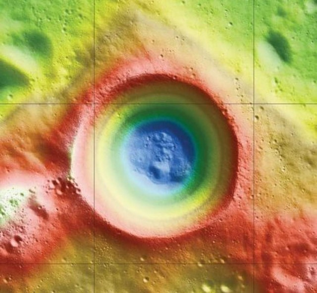 Shackleton Crater at Moon's South Pole plenty of Ice