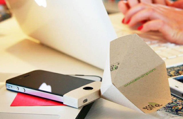 Eco-amp paper speaker for iPhone