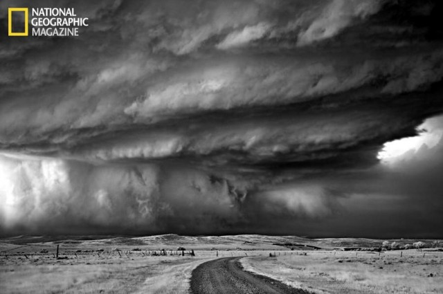 Monster hailstorm, supercell in Bear's Claw Location: Moorcroft, Wyoming