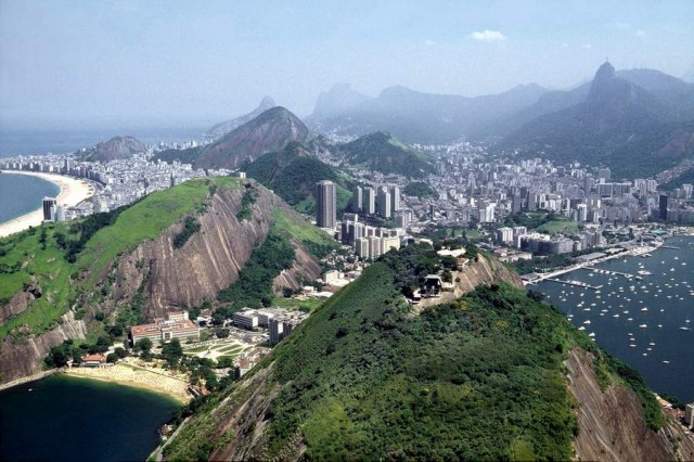 Botafongo beach is within Guanabara bay and in front of Sugerloaf mountain