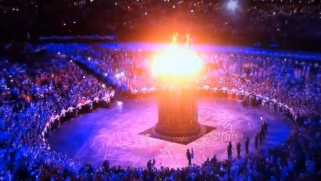 2012 London Olympics Cauldron by Thomas Heatherwick (4)