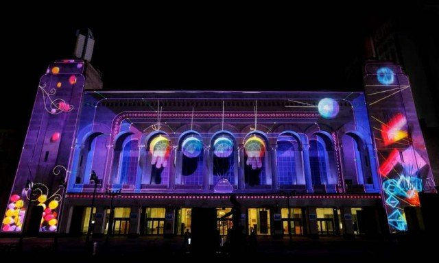 Duality video mapping project by Moment Factory (2)