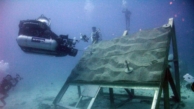 NASA Trains Underwater at Aquarius (1)