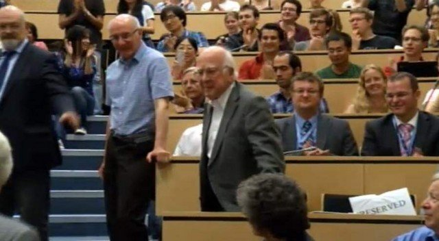 Images from the announcement ceremony of the Higgs boson (1)