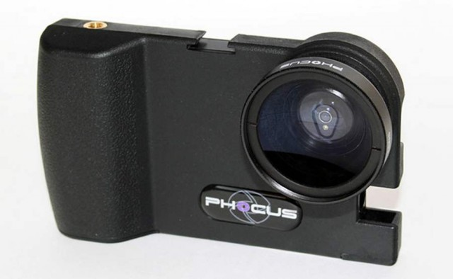 Phocus DSLR photography adapter for iPhone