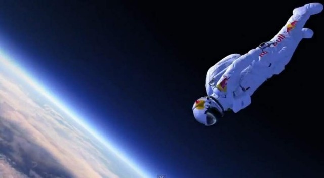 Supersonic Freefall by Felix Baumgartner (1)