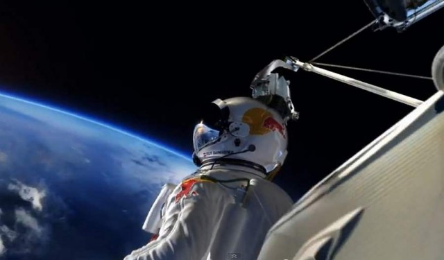 Supersonic Freefall by Felix Baumgartner (9)