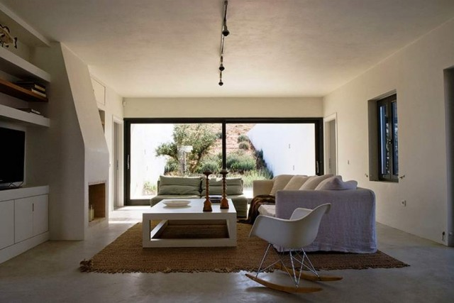Aloni house by Deca Architecture