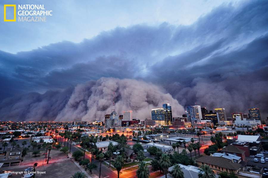 The biggest dust storm in living memory rolls into Phoenix on July 5, 2011