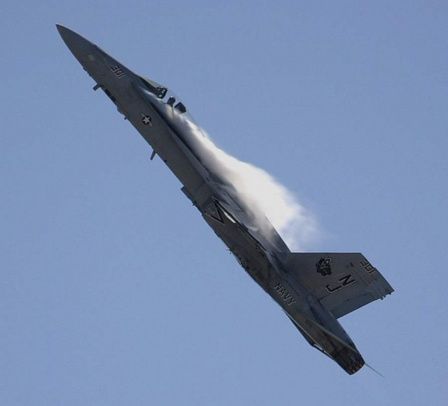 FA-18A Hornet performing a high-g pull-up