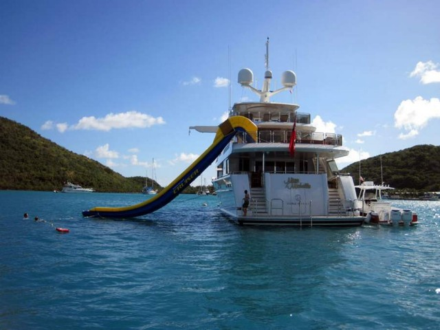 FreeStyle Cruiser Inflatable Water Slide (7)