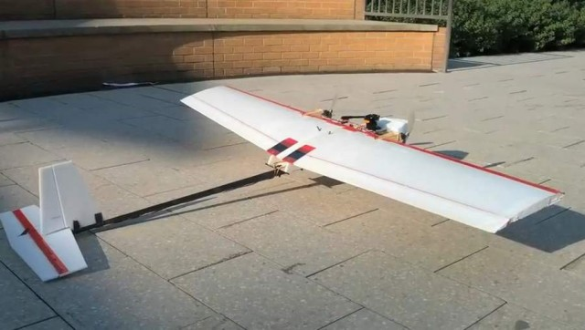 MIT Autonomous robotic plane flies indoors