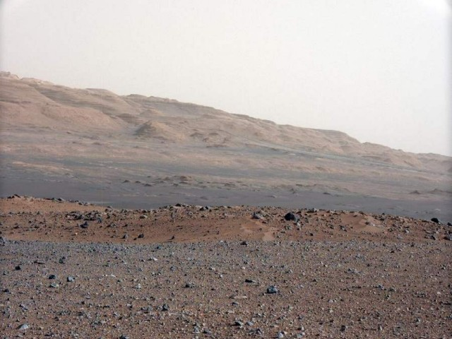 Nasa releases first high-res colour images of the Red Planet