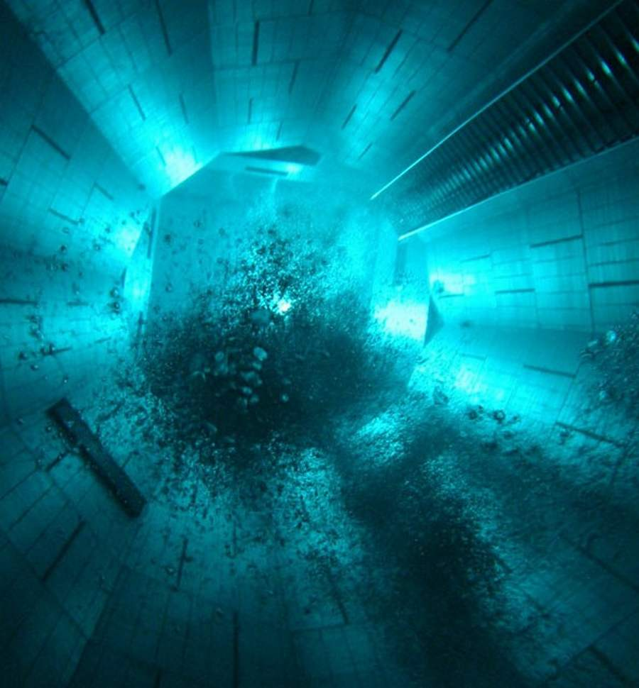 Wordlesstech Nemo 33 World S Deepest Swimming Pool