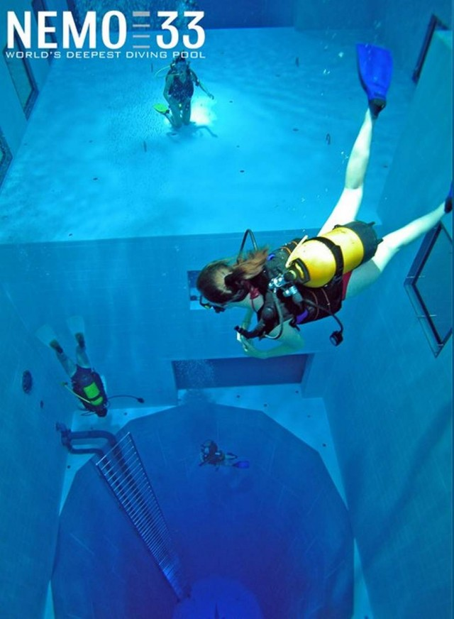 Nemo 33 world's deepest swimming pool (1)