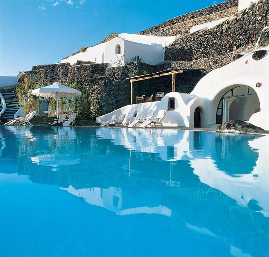 Perivolas luxury hotel in Santorini (21)