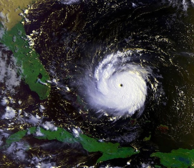 Hurricane Andrew at peak intensity