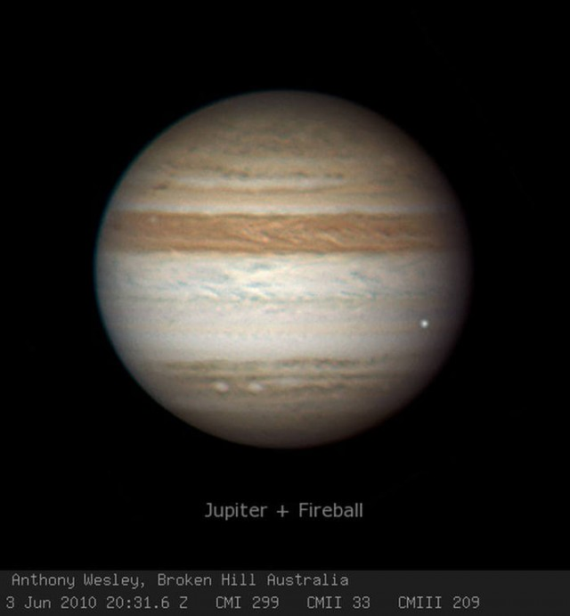 Jupiter have been Impacted by a Fireball