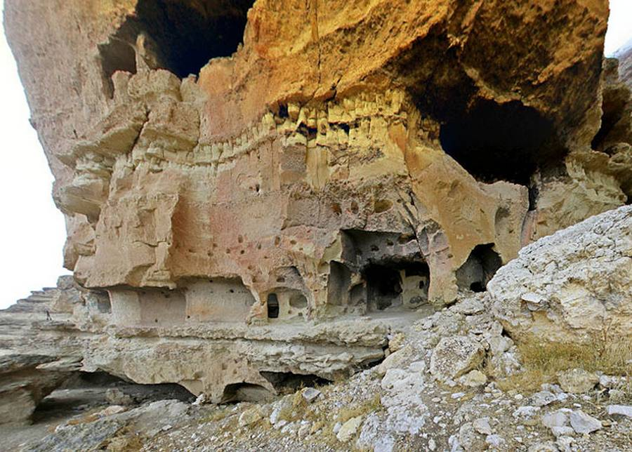 cave city dating The ancient cave city was built on a rocky bank of the mtkvari river,  on the  upper level is a christian stone basilica, dating from the 9 th-10th.