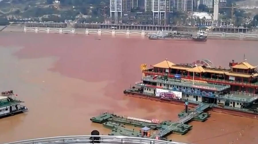 Yangtze River mysteriously turns Red