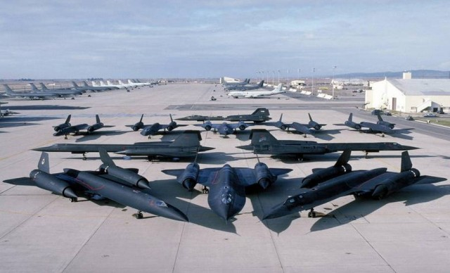 Eleven SR-71 Blackbirds