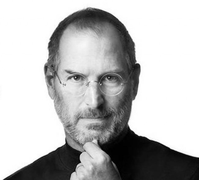 Apple remembers Steve Jobs with impressive video