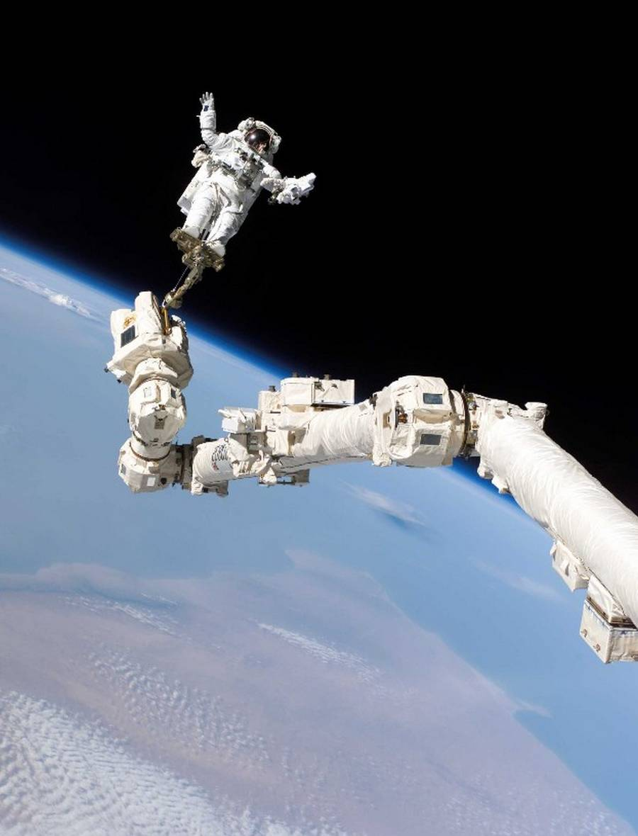 Astronauts Floating In Space Shuttle (page 3) - Pics about ...