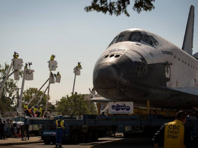 Endeavour through the streets of Los Angeles