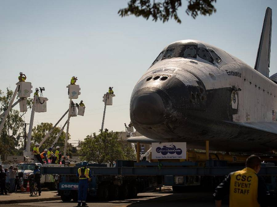 Endeavour through the streets of Los Angeles (4)