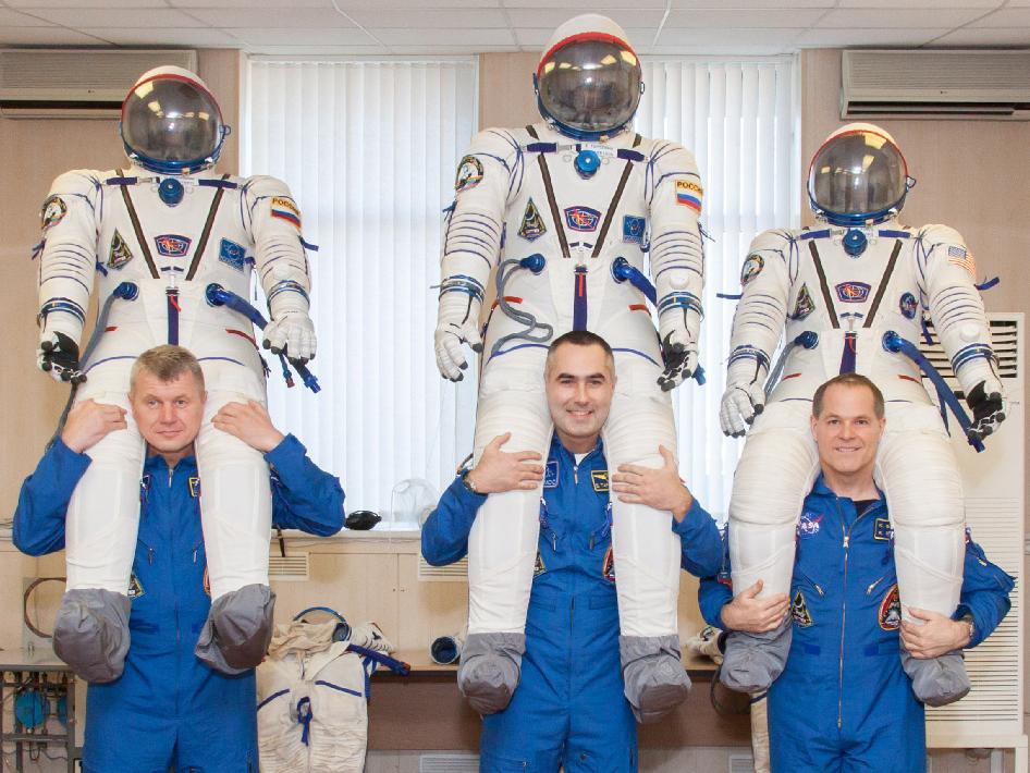 Expedition 33 crew is preparing for launch