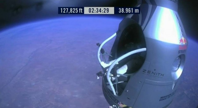 First man to break the Speed of Sound in Freefall (17)