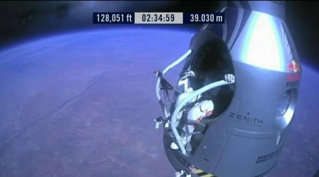 First man to break the Speed of Sound in Freefall (16)