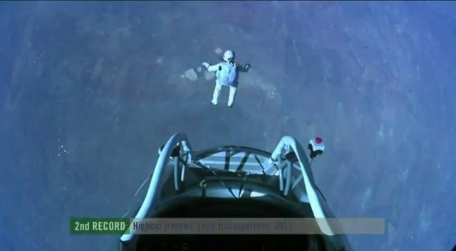 First man to break the Speed of Sound in Freefall (13)