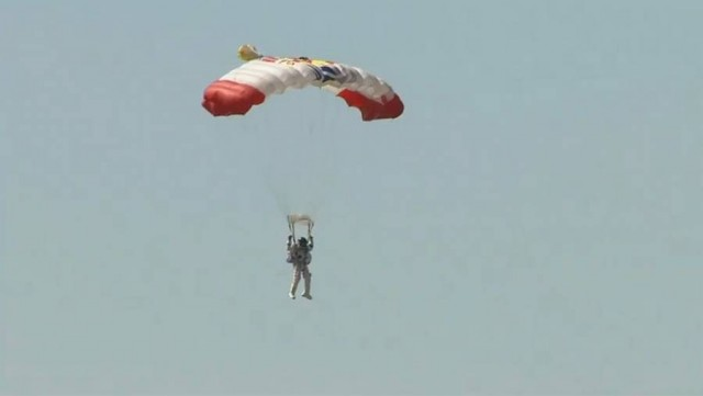 First man to break the Speed of Sound in Freefall (5)