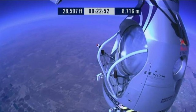 First man to break the Speed of Sound in Freefall (42)
