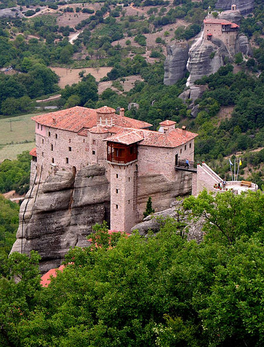 wordlessTech  Hovering monasteries of Meteora