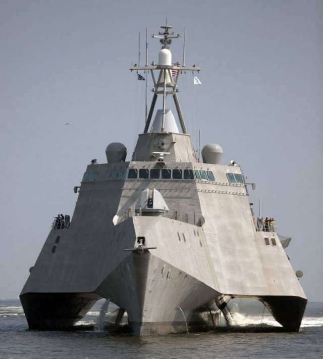 USS Independence LCS-2 Stealth Trimaran (9)