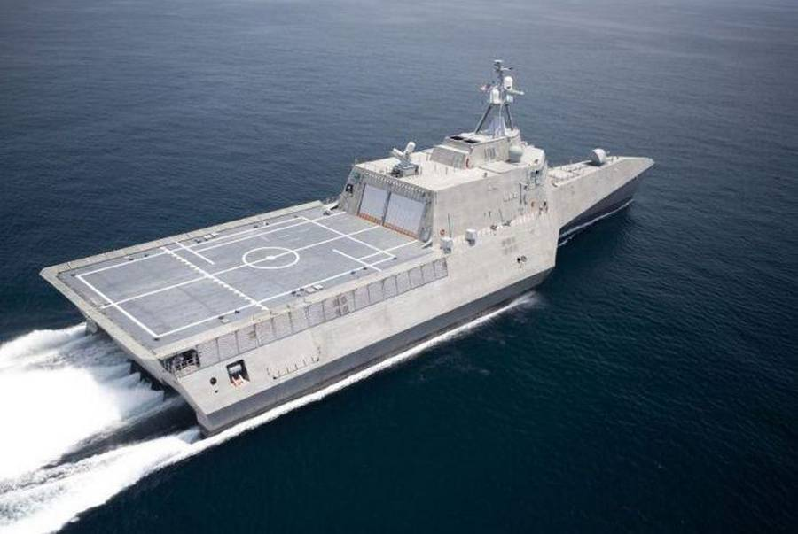 wordlessTech | USS Independence LCS-2 Stealth Trimaran