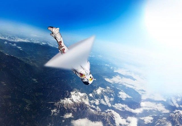 Watch Felix Baumgartner's Space Dive Live