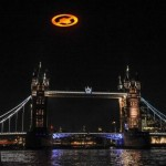 Giant UFO shows up over London