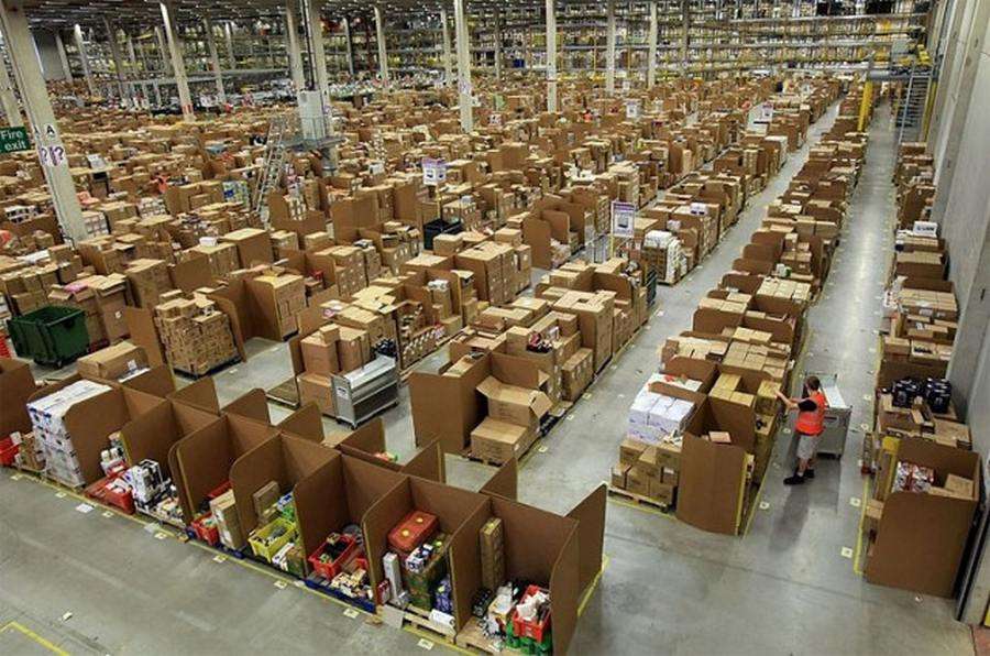 Amazon's warehouse (7)
