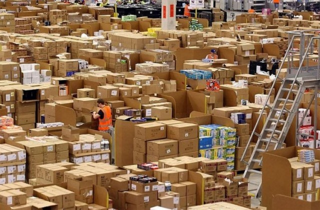 Amazon's warehouse (6)