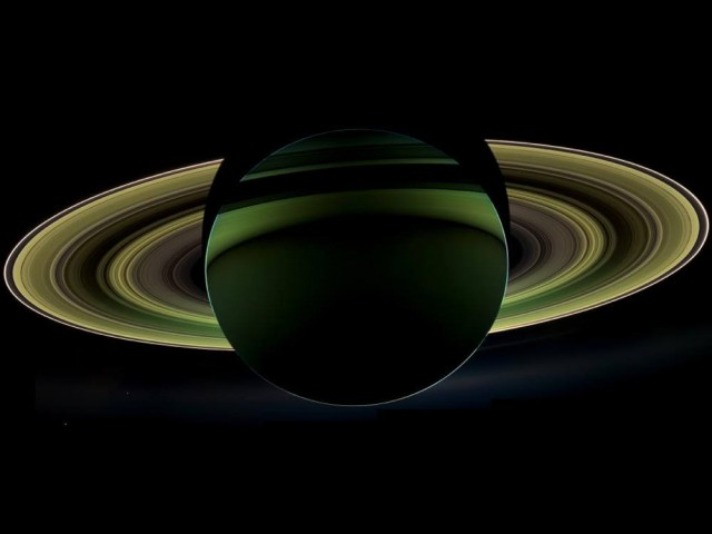 Rare and spectacular view of Saturn
