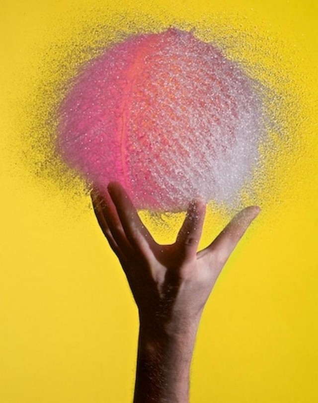 Water-Balloon -In the Grip of Carnation (1)