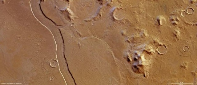 Ancient River on Mars