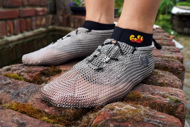 Chainmail barefoot shoes