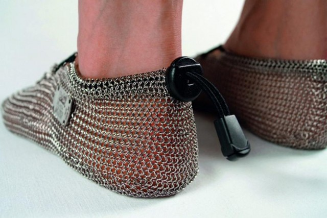 Chainmail shoes (2)